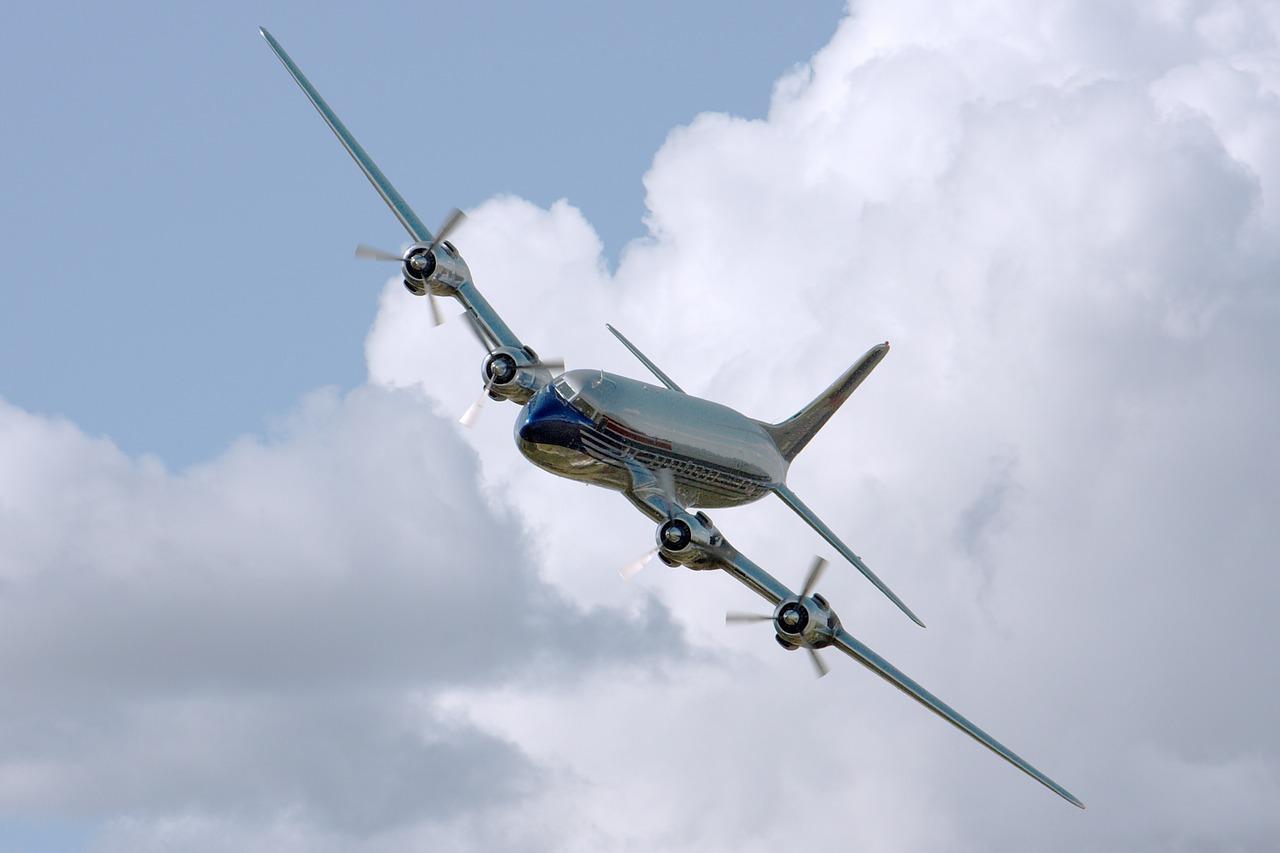Prohíben llevar celulares, notebooks y tablets en la bodega de los aviones