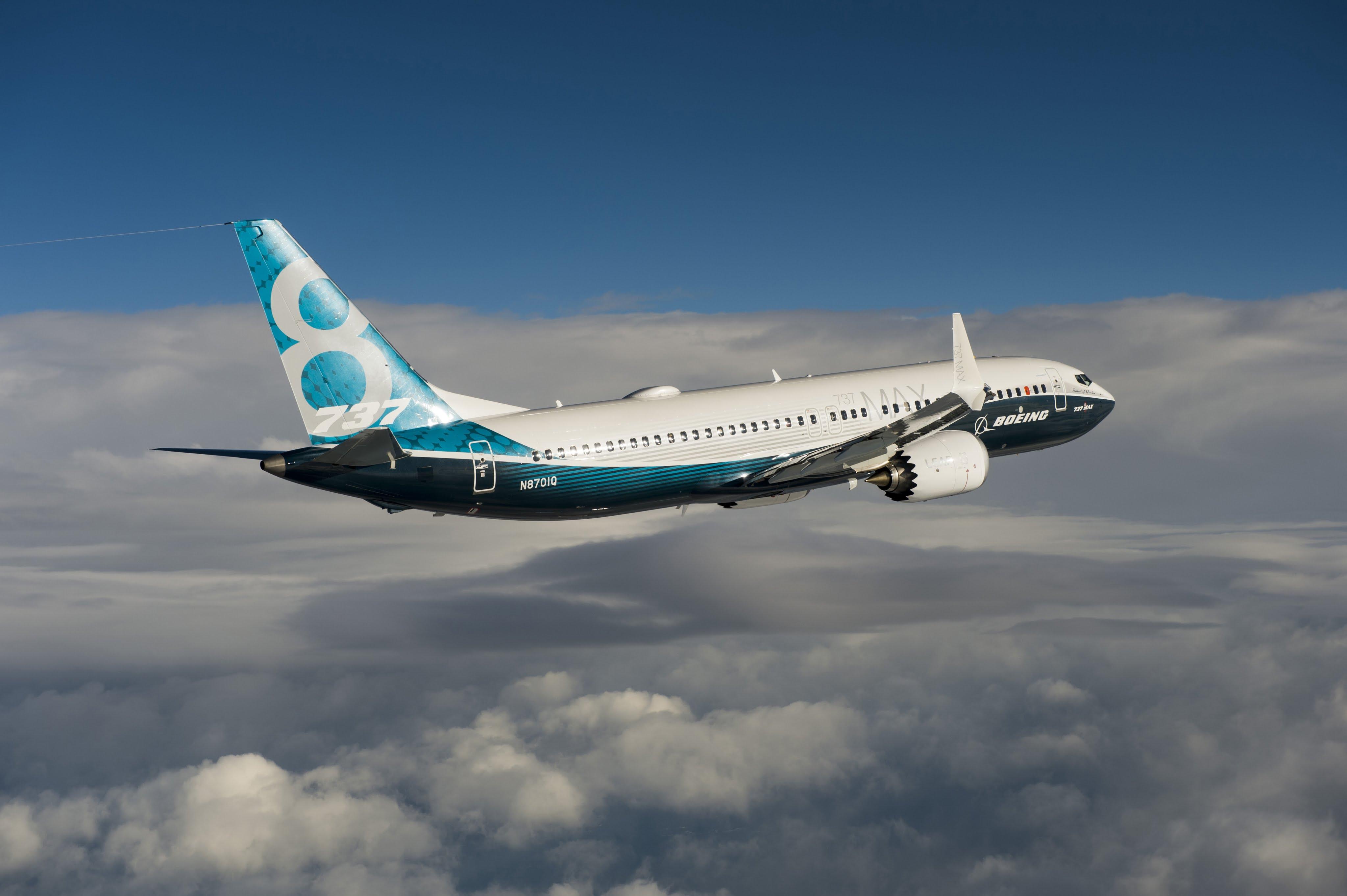 Boeing 737 MAX, un avión de pasajeros acrobático